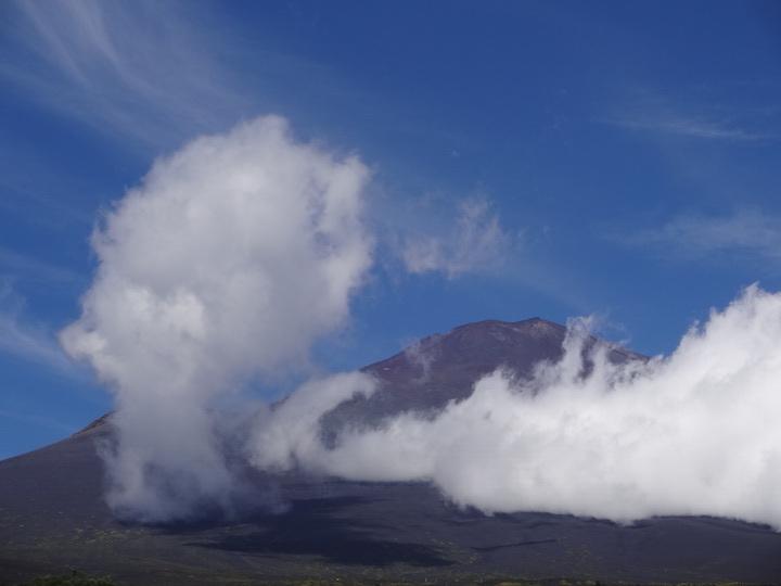 雲が空へ.JPG